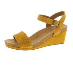 Lucky 🍀 Brand Yellow Open Toe Wedge Sandals 9.5 M